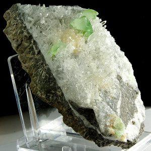 mineral augelita