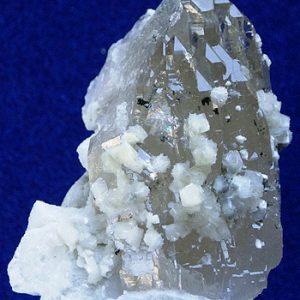 minerales bavenita