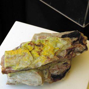 minerales weeksita