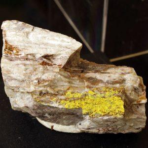 weeksita mineral